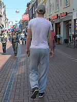 man-in-joggingbroek